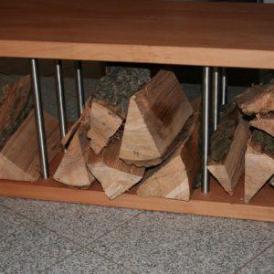Sitzbank und Brennholzbank