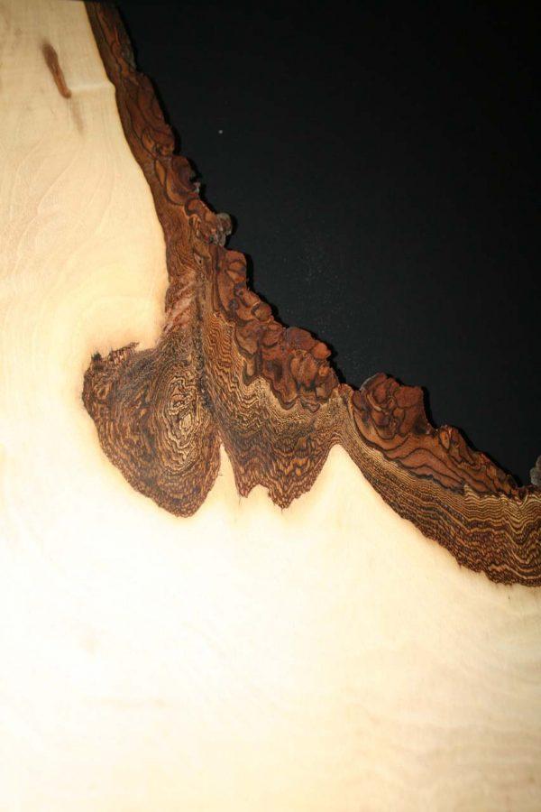 Nussbaum Holzkante