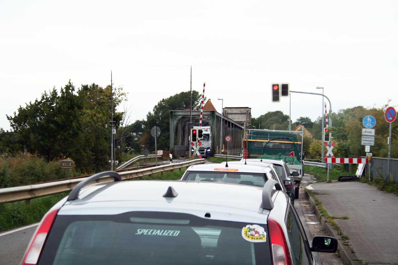Lindaunisbrücke Autoverkehr