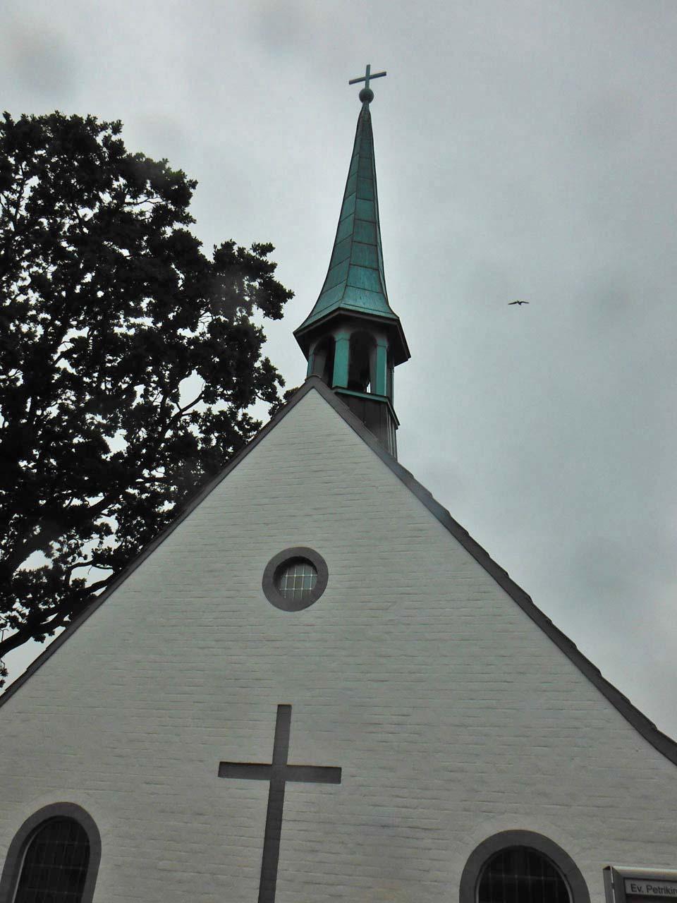 Glockenturm der St. Petrikirche in Maasholm