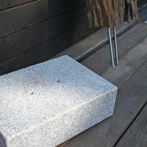 Granitsockel Und Stele