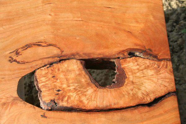 Detail Nahaufnahme Wildbirnenbohle