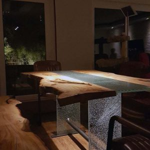 Live Edge Table Baumtisch Wilde Linde